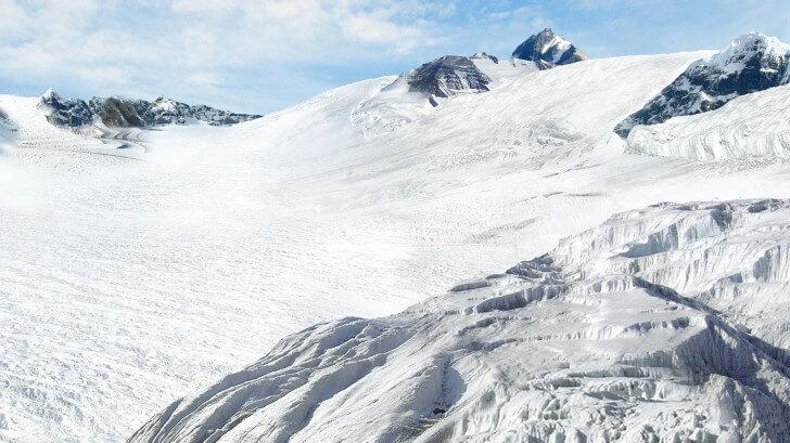 A picture of a glacier in Antarctica