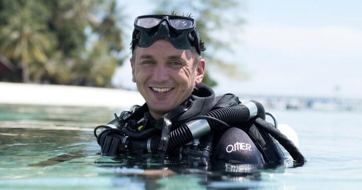 Cameraman Roger Munns