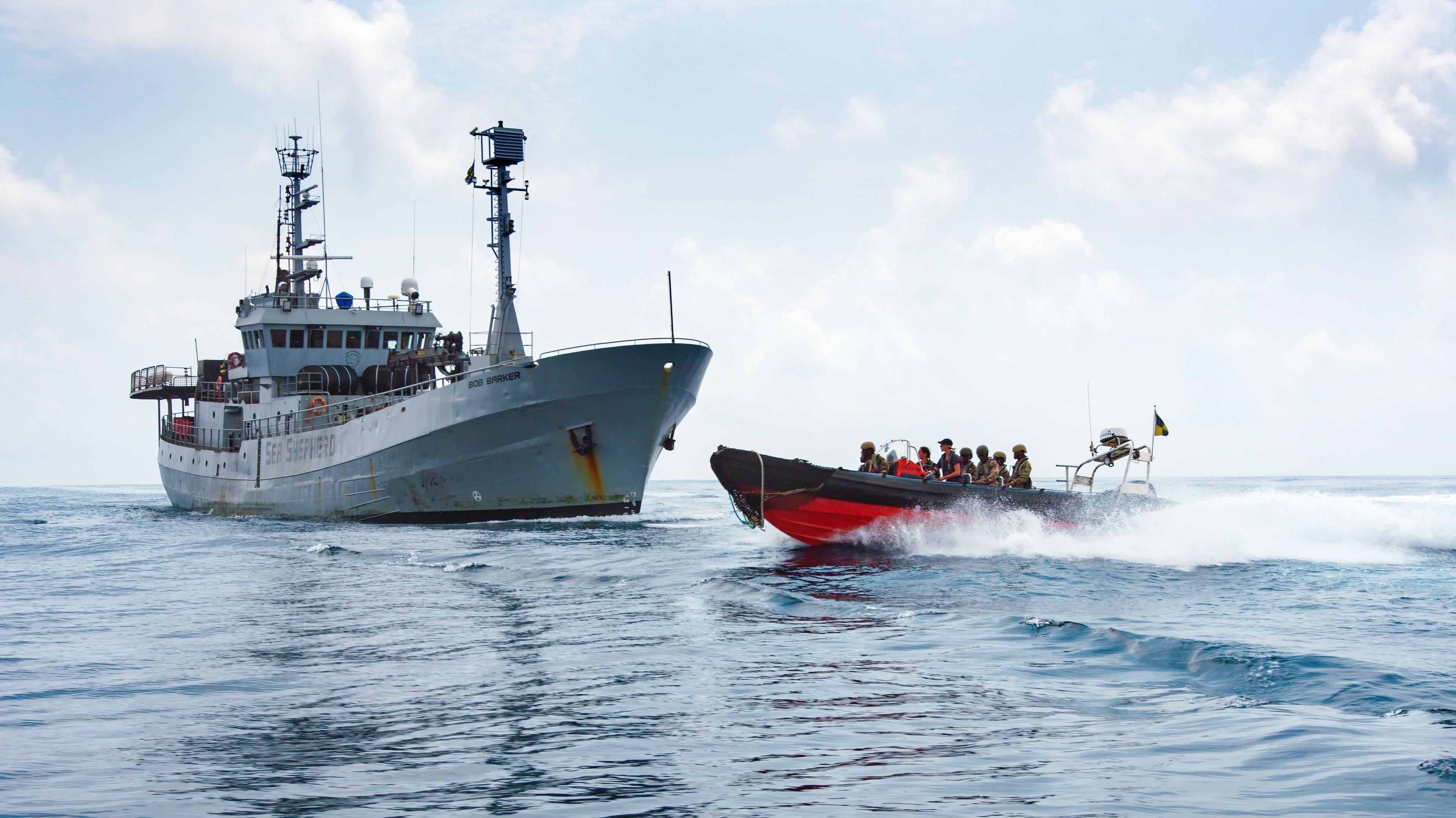 Sea shepherd apprehending ship